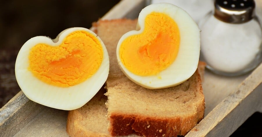 How to stop chickens from laying rotten eggs